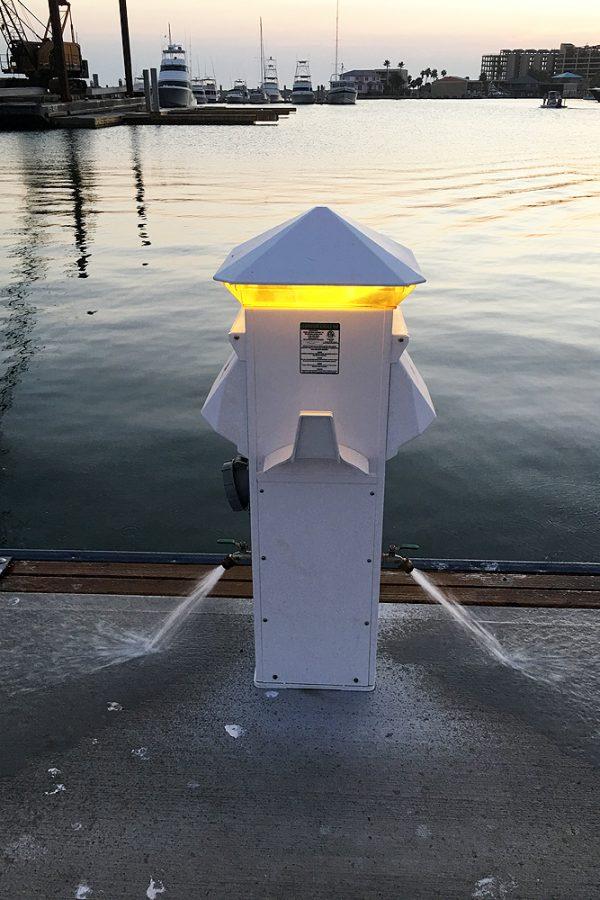 Harbor Light 30-20 30-20, 2 Water, Amber Lens